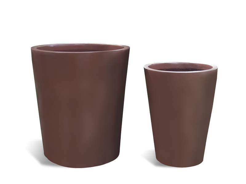 Peggo oval planter in two sizes