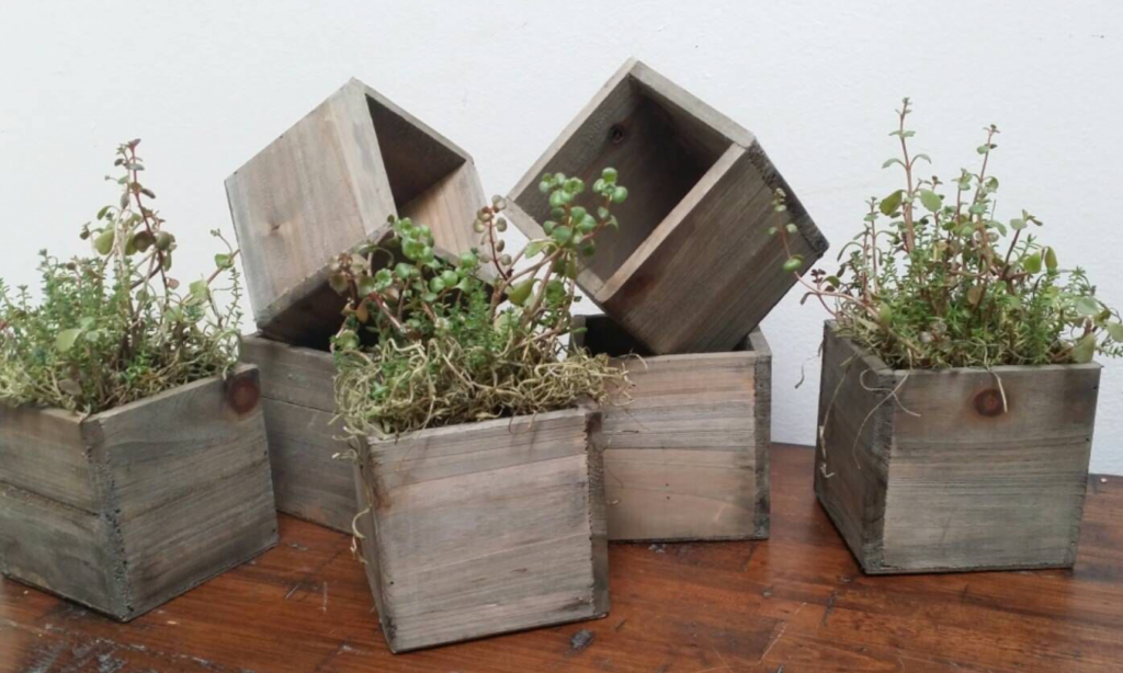Wooden Pots Have A Rustic Effect These Containers Also Provide Good Insulating On The Plants Roots Durability Can Be Problem With Tubs