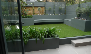 Border with planters